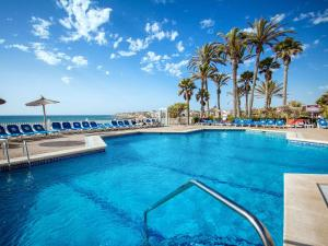 The swimming pool at or near Hotel Servigroup La Zenia