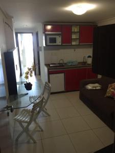 A cozinha ou cozinha compacta de Flat Manaíra Palace