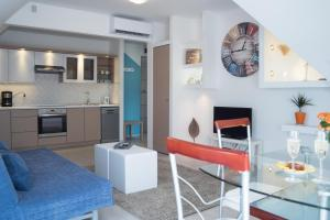 A kitchen or kitchenette at Flat with Unforgettable View