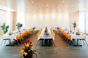 Ein Restaurant oder anderes Speiselokal in der Unterkunft Hotel Löwen