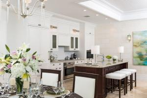 A kitchen or kitchenette at The Shore Club Turks & Caicos