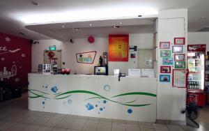 The lobby or reception area at Footprints Hostel, Singapore (SG Clean)