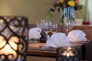 Ein Restaurant oder anderes Speiselokal in der Unterkunft Hotel Sonnblick