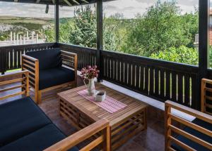 A balcony or terrace at Guest House Intrigue