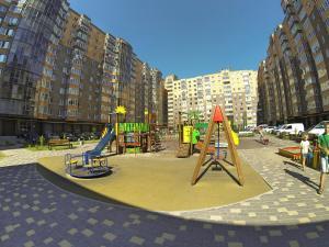Children's play area at Naberezhnaya Roshen