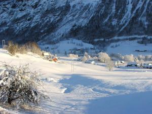 Solbakken Hytte during the winter