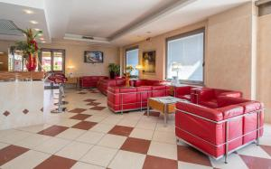 The lounge or bar area at Best Western Hotel I Triangoli