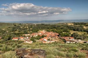 A vizinhança circundante ou próxima of the country house