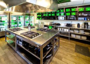 Küche/Küchenzeile in der Unterkunft HI Whistler
