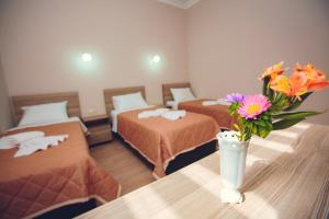 A room at Daisi Sunset Hotel