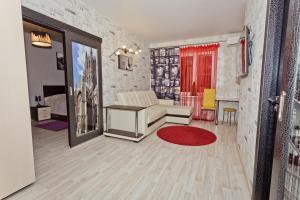 A seating area at Apartments at Gorkogo