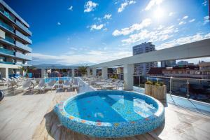 Бассейн в Hotel El Paraiso или поблизости
