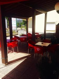 A restaurant or other place to eat at Hospedaria Estação