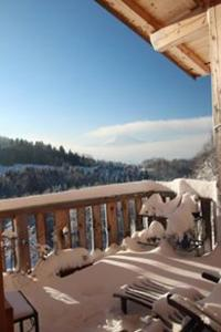 A balcony or terrace at Chalet Eterlou