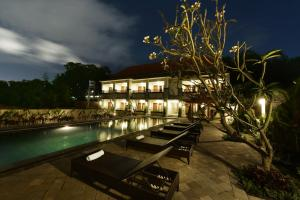 Bazén v ubytování Le Lima nebo v jeho okolí