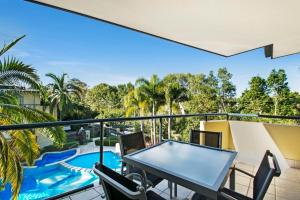A balcony or terrace at Montpellier Boutique Resort Noosa
