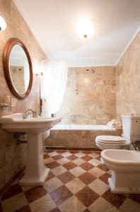 A bathroom at Hotel Anastasia