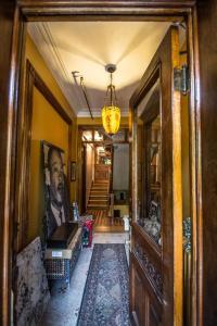 The lobby or reception area at Brooklyn Getaways