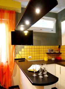 Cucina o angolo cottura di Happy Home BO Fiera Self Check-in