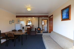 The lounge or bar area at Arthur River Holiday Units