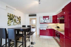 A kitchen or kitchenette at Hahn Apartments Vienna City