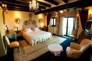A room at Hotel Palacio de la Peña Cantabria