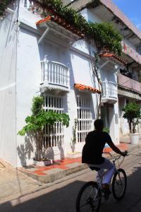 Montar en bicicleta en Hotel Villa Colonial By Akel Hotels o alrededores