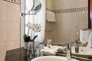 A bathroom at Hotel Park Villa