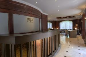 The lounge or bar area at Hotel Park 10