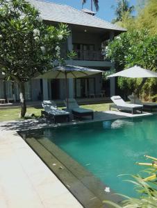 The swimming pool at or near Ju'Blu Hotel