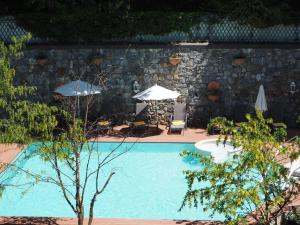 The swimming pool at or near Hôtel Les Sources des Alpes