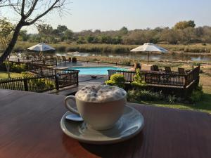 Drinks at Sabie River Bush Lodge