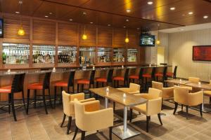 A restaurant or other place to eat at DoubleTree by Hilton Hotel Boston - Downtown