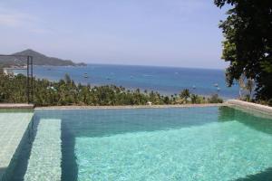 The swimming pool at or close to Anankhira Villas