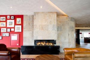 De lounge of bar bij Bastion Hotel Brielle - Europoort