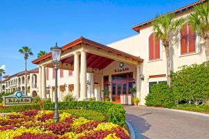 The facade or entrance of The Lodge & Club at Ponte Vedra Beach