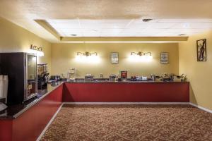 Ресторан / где поесть в Branson Towers Hotel