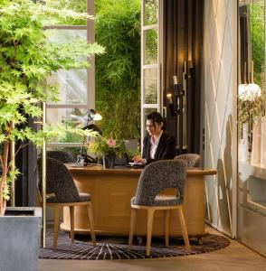The lobby or reception area at Millésime Hôtel
