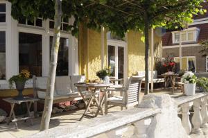 Een patio of ander buitengedeelte van Hotel Nehalennia
