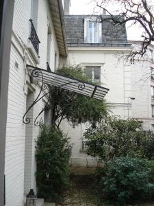 A porch or other outdoor area at Le Mansart