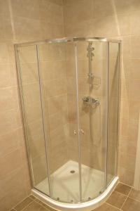 A bathroom at Egali accommodation Malta