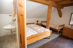 Ein Zimmer in der Unterkunft Horská chata Jonáš