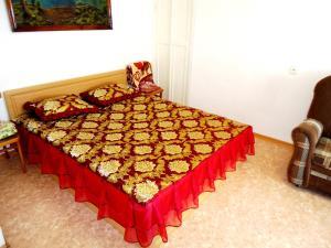 Кровать или кровати в номере Apartment on Lenina st. 21