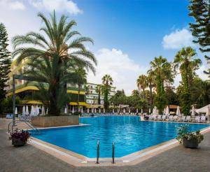 The swimming pool at or close to Botanik Hotel