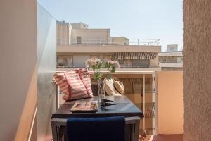 A balcony or terrace at Résidence Pierre & Vacances La Promenade des Bains