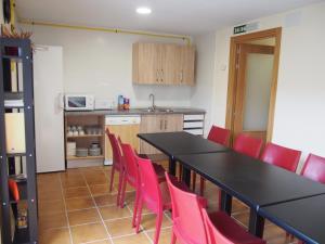 A kitchen or kitchenette at Albergue Segunda Etapa