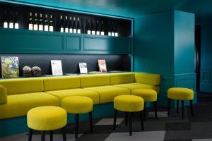 Salon ou bar de l'établissement Hôtel Diana Dauphine