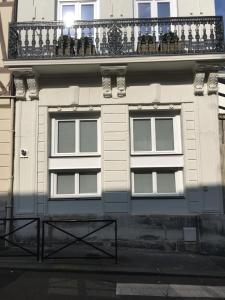 A balcony or terrace at Le Dix-Huit Studio Duplex