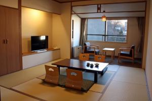 A seating area at Hotel Mahoroba