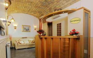 The lobby or reception area at Hotel Campidoglio